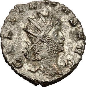 D/ Gallienus (253-268). BI Antoninianus, 260-268.  D/ Head of Gallienus right, radiate. R/ Jupiter standing left wearing cloak on left shoulder; holding thunderbolt and long scepter. RIC 208. BI. g. 3.30  mm. 19.00    About VF.