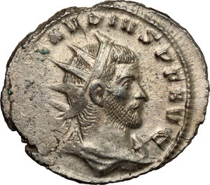D/ Claudius II Gothicus (268-270). BI Antoninianus, 268-270.  D/ Bust of Claudius right, radiate, draped. R/ Victoria advancing right; holding wreath and palm. RIC 171. BI. g. 3.57  mm. 22.00   Toned. VF.