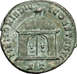 R/ Maxentius (306-312). AE follis, Ticinum mint, 307-308.  D/ Head of Constantius Chlorus right, veiled. R/ Domed shrine; on top, eagle standing right. RIC 97. AE. g. 6.35  mm. 24.00   Dark green patina.  About VF.