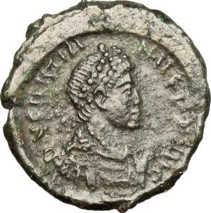 D/ Gratian (367-383). AE 14mm, Constantinople mint, 378-383.  D/ Bust of Gratian right, diademed, draped, cuirassed. R/ VOT/XX/MVLT/XXX within wreath. RIC 64A. AE. g. 1.40  mm. 14.00   Glossy dark green patina. F.