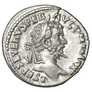 D/ Septimius Severus (193 - 211). Denarius. Laodicea. 3.30 gr. – 19.4 mm. O:\ L SEP SEVERVS PER AVG P M IMP XI. Laureate head right. R:\ SALVTI AVGG. Salus seated left, feeding snake entwined around altar out of patera. RIC 497a. XF