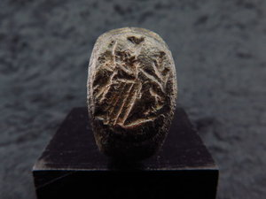 D/ Roman bronze seal ring of the goddess