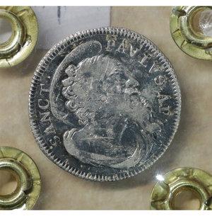 reverse: Stato Pontificio. ROMA. Clemente XII (1730-1740). Grosso A.V. 1.05 gr. – 18.4 mm. D:\ Stemma a targa con fogliami. R:\ Busto del Santo a d. Munt. 187. R2. SPL
