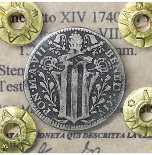 obverse: Stato Pontificio. Benedetto XIV 1740-1758. Grosso A. VII. 1.20 gr. – 19.1 mm. D:\ Stemma poligonale. R:\ Testa del Santo a d. CNI 196; Munt. 128a var I. Raro. BB\SPL