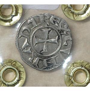 reverse: GENOVA. Repubblica (1139-1339). Denaro. 0.8 gr. – 15.8 mm. D:\ Castello. R:\ Croce patente. CNI 1/69; MIR 16. SPL