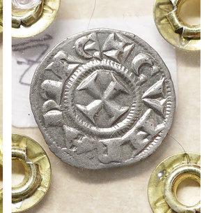 reverse: GENOVA. Repubblica (1139-1339). Denaro. 0.85 gr. – 16.5 mm. O:\ Castello. R:\ Croce patente. CNI 1/69; MIR 16. SPL+