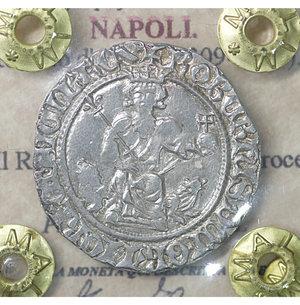 obverse: NAPOLI. Roberto d Angiò (1309-1343). Gigliato. 3.95 gr. – 25.1 mm. Il Re seduto in trono /R Croce gigliata P.R. 1/2; MIR 28. SPL