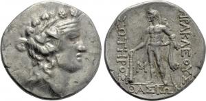 obverse: Thrace, THASOS (148-90 a.C.), AR Tetradramma (16,89 gr. – 31 mm.). D.\: testa di Dionysos a destra; R.\: HPAKΛEOYΣ / ΣΩTHPOΣ / ΘAΣIΩN - Herakles stante a sinistra, con clava e pelle di leone, monogramma in basso a sinistra. SNG Copenhagen 1040-5; HGC 6, 359. qBB. R.