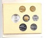 reverse: Vaticano. Folder Ufficiale del 1984 con 7 monete FDC (di cui una in argento). (Val. Cat.: 25€)