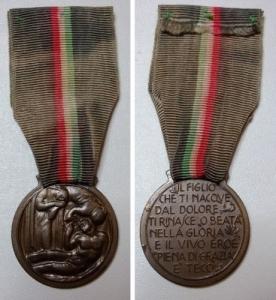 obverse: 1919 - Medaglia coniata in bronzo e riservata alle madri dei caduti -NC