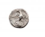 reverse: VESPASIANO (68-79), Roma. AR Denarius (2,90 gr.). R.\: COS V - aquila con ali aperte con testa a sinistra. qBB.