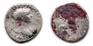 obverse: TRAIANO (98-117), Roma. Ar Denarius (3,25 gr.). Da studio. MB.