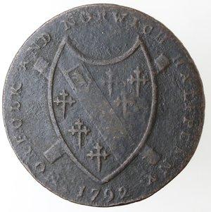 obverse: Token. Gran Bretagna. Norfolk. Norwich. Nathaniel Bolingbroke. Halfpenny Token 1792. Ae. D&H 14. D/ MAY NORWICH FLOURISH. PRO BONO PUBLICO Castello con sotto il leone. R/ Stemma di Norfolk NORFOLK AND NORWICH HALFPENNY. 1792. Sul contorno PAYABLE AT N. BOLINGBROKES HABERDASHER & C. NORWICH.X. Peso gr. 9,91. Diametro mm. 30. BB.