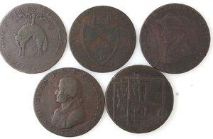 obverse: Token.  Lotto di 5 pezzi da half penny. Ae. Irlanda. Wicklow 1789, Liverpool 1791, North Wales 1793, Irish Mine Company 1793. Coalbrook Dale 1792. Mediamente qBB.