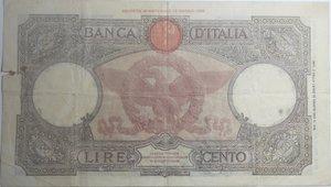 reverse: Banconote Italiane. Regno D Italia. 100 lire  Aquila Romana (Fascio). Dec. Min. 21 Novembre 1942. Crapanzano 256. MB+. Strappo e macchia laterale.