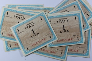 obverse: Banconote. Allied Military Currency. Serie 1943. 1 Am lire monolingua. Lotto di 28 pezzi dal BB al FDS.