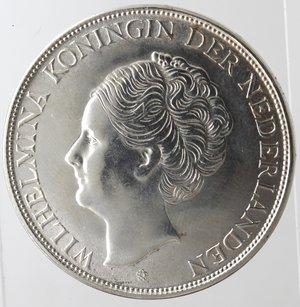 obverse: Monete Estere. Curacao (Antille Olandesi). 2,5 Gulden 1944 D. Zecca di Denver. Ag 720. Km. 46. Peso 25,04 gr. qFDC. Graffietti.