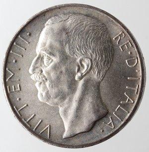 obverse: Casa Savoia. Vittorio Emanuele III. 1900-1943. 10 lire 1927 Biga due rosette. Ag. Gig. 56a. Colpetto altrimenti SPL+.