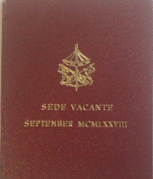 obverse: Vaticano.Sede Vacante Settembre 1978. 500 lire. Ag. Gig. 305. FDC. Confezione originale della zecca.