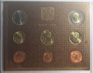 obverse: Vaticano. Benedetto XVI. 2005-2013. Divisionale 2011. Confezione originale della zecca. 8 valori. FDC.