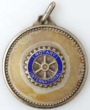 obverse: Medaglie. Napoli. Rotary International. Ag 925 dorato e smalti. R/ ROTARY CLUBS NAPOLI 1924-1974. Peso gr. 11,25. Diametro mm. 29,50. SPL+.