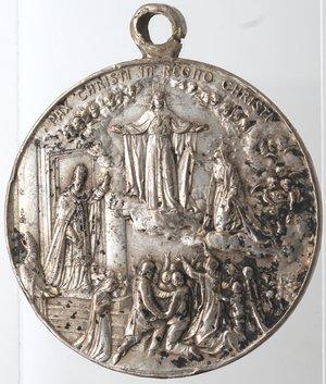 reverse: Medaglie. Pompei. Medaglia per il cinquantenario del culto della Madonna di Pompei. Ag. D/ La madonna di Pompei RICORDO DEL PRIMO CINQUANTENARIO DEL CULTO DELLA MADONNA DI POMPEI, in esergo 1875-1925. R/ PAX CHRISTI IN REGNO CHRISTI. Peso gr. 29,54. Diametro mm. 40. qSPL. Colpetti e macchie.