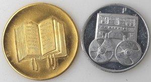 reverse: Medaglie. Lotto di due gettoni. Gian Bruto Castelfranchi. Al. John e Robert Kennedy. Metallo dorato. FDC.