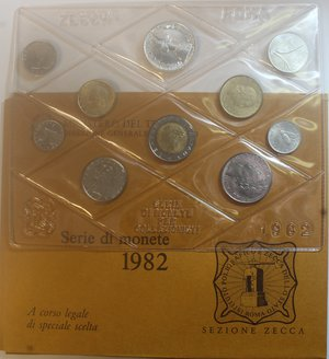 obverse: Repubblica Italiana. Serie divisionale 1982. 10 valori con 500 Lire. Ag. Gig.8. FDC.Confezione originale della Zecca.