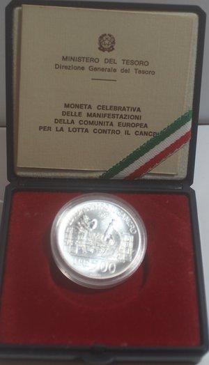 obverse: Repubblica Italiana. 500 Lire. Lotta contro il cancro 1989. Ag. Gig. 437. FDC. In confezionedella zecca. R.