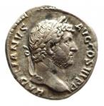 D/ Impero Romano. Adriano. 117-138 d.C. Denario. D/ HADRIANVS AVG COS III P P, Testa laureata verso destra. R/ Incuso . Peso 2,86 gr. Diametro 17,65 mm. qSPL. R.