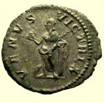 R/ Impero Romano Giulia Domna 193-211 d.C. denario : D\ IVLIA AVGVSTA Busto verso destra R\ VENVS VICTRIX Ric 581 Peso 3,1 gr Diametro 20 mm Conservazione BB+