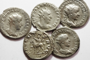 D/ Lotti.Impero Romano.Lotti di 5 Antoniniani in argento da studio.w