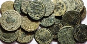 D/ Lotti.Impero Romano.Lotto di 20 Bronzetti del III e IV Secolo,mediamente qBB.w
