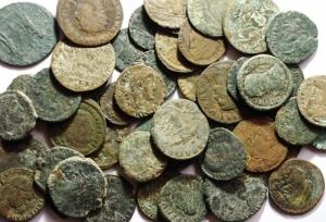 D/ Lotti.Impero Romano.Lotto di 50 Bronzetti del III e IV Secolo,mediamente MB+.w
