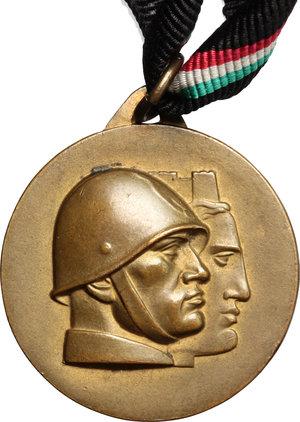 D/ Benito Mussolini (1883-1945). Medaglia provveditorato agli studi di Siena.     AE.   mm. 30.00    SPL.
