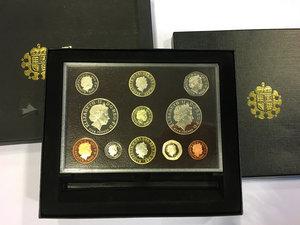 obverse: United Kingdom.  Elizabeth II (1952 -). 2008 Royal Mint Proof Year Set of 11 coins