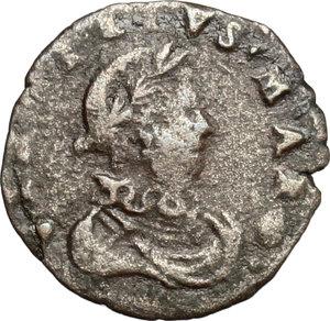 D/ Mantova. Carlo I Gonzaga Nevers (1627-1637). Sesino.    CNI 51/52. MIR 659. MI. g. 0.88  mm. 15.00  R.  BB.