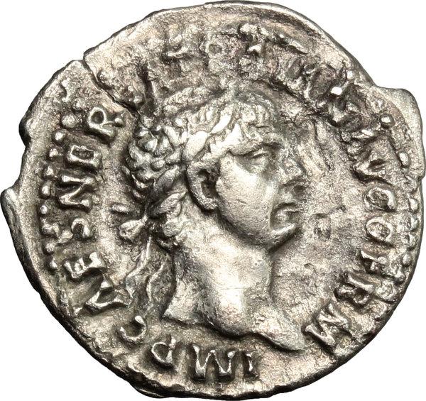 Artemide eLive Auktion 7: 220 - Trajan (98-117)   AR Denarius, 98-99