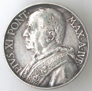 obverse: Pio XI. 1922-1939.10 lire per il Giubileo 1933-1934.AG.