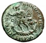 """R/ Impero Romano.Valentiniano II . Maiorina pecunia . 378-383 d.C. D\ Dominus Noster Valentinianus Pius Felix Augustus"""" busto di Valentiniano Armato e elmato verso destra R\GLORIA RO-MANORVM Valentiniano con mantello ed elmo su galea a sinistra una vittoria, in esergo SM K A,Cizico C.22 - RIC.14 b (R2) - LRBC.2374 - RC.4161 (45£) - MRK.159 /22 var..Peso 5,15 gr.Diametro 24,00 mm.SPL"""