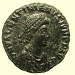 D/ Impero Romano. Valentiniano II 375-392 d.C. Maiorina : D\ DN VALENTINIANVS IVN PF AVG Busto diademato verso destra R\ REPARATIO REIPVB in esergo *BSISC. RIC IX 26b.6. Peso 5,4 gr Diametro 22,6 mm BB