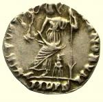 R/ Impero Romano. Arcadio. 383-408 d.C. Siliqua Mediolanum. Ag. : D\ D N ARCADI - VS P F AVG Busto diademato verso destra. R\ VIRTVS RO - MANORVM, Roma seduta verso sinsitra con vittoria e lungo scettro, in esergo MDPS. RIC (Honorius) 1227. Peso 1,2 gr. Diametro 14,7 mm. BB+.