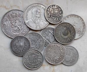 D/ Lotti - Monete Estere. Insieme di 11 pezzi in Ag