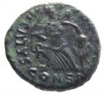 R/ Impero Romano. Arcadio. 388-392 d.C. AE4. D/ D N ARCADIVS P F AVG, Busto diademato verso destra. R/ SALVS REIPVBLICAE, La Vittoria avanza verso sinistra, guardando indietro, con trofeo sulle spalle e prigioniero, chi-rho nel campo, CONSG in ex. Zecca di Constantinopoli. RIC IX 86c. Peso 1,65 gr. Diametro 12,97 mm. BB+.