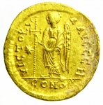 R/ Bizantini Anastasio 490 -518 d.C. Solido, Constantinopoli D\ D N ANASTA-SIVS P P AVG, busto frontale elmato di Anastasio / VICTORI-A AVGGG, la Vittoria stante a sinistra con croce , nel campo astro CONOB, officina: Δ, Sear 5; MIB 7.Peso 4,42 fr. Diametro 21,00 mm.SPL