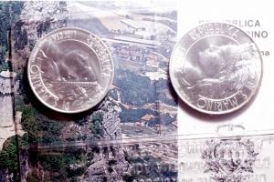 obverse: Zecche Italiane. San Marino. Nuova monetazione. Dittico 1986. Ag. Mondiali di Calcio Messico. In confezione Originale. FDC.