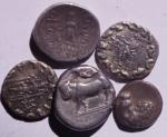 reverse: Lotti.Mondo Greco.Lotto molto interessante di 5 monete in argento tra cui un nomos di Neapolis,Cappadocia ecc... Mediamente BB\BB+.w