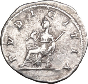 R/ Julia Maesa (died 225 AD). AR Denarius, 218-222.  D/ Bust right, draped. R/ Pudicitia seated left, drawing veil and holding scepter. RIC (Elagabal) 268. AR. g. 2.96  mm. 19.00    About EF/Good VF.