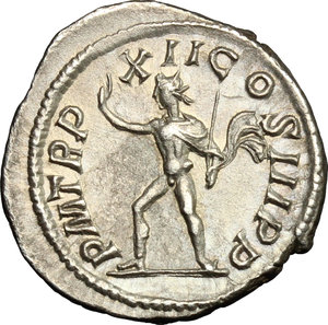 R/ Severus Alexander (222-235). AR Denarius, 233 AD.  D/ Bust right, laureate, draped, cuirassed. R/ Sol standing left, raising right hand and holding in left whip. RIC 120. AR. g. 3.12  mm. 20.00    About EF.