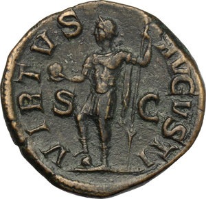 R/ Severus Alexander (222-235). AR Sestertius, 222-231.  D/ Bust right, laureate, draped on left shoulder. R/ Emperor standing left in military attire, holding globe and spear, right foot on helmet. RIC 627. AE. g. 20.21  mm. 30.00   Nice patina. Good VF.